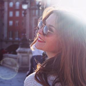 lächeln steigert das glücksgefühl
