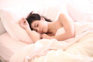Pfefferminztee Wirkung bei Schlafproblemen