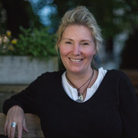 Silke Freudenberg, Ausbildung zum Aufstellungsleiter